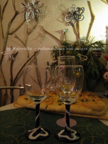 Новогодний декор из манки для бокалов